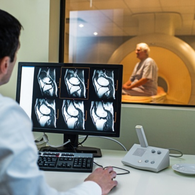 MRI 'may be safe for patients with implantable heart devices'
