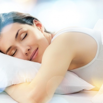 Sleeping for longer 'helps people maintain healthier diets'